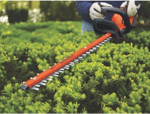 BLACK+DECKER LHT2436 cordless hedge trimmer